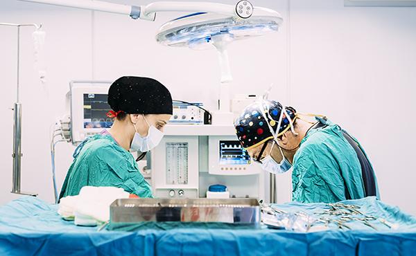 Técnico especialista en instrumentación quirúrgica